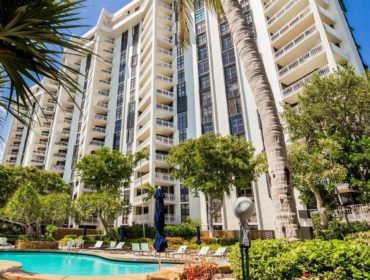 Towers of Quayside Condos for Sale and Rent 1000 Quayside TerMiami, FL 33138